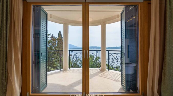 Luxury seafront villa for sale in Montenegro