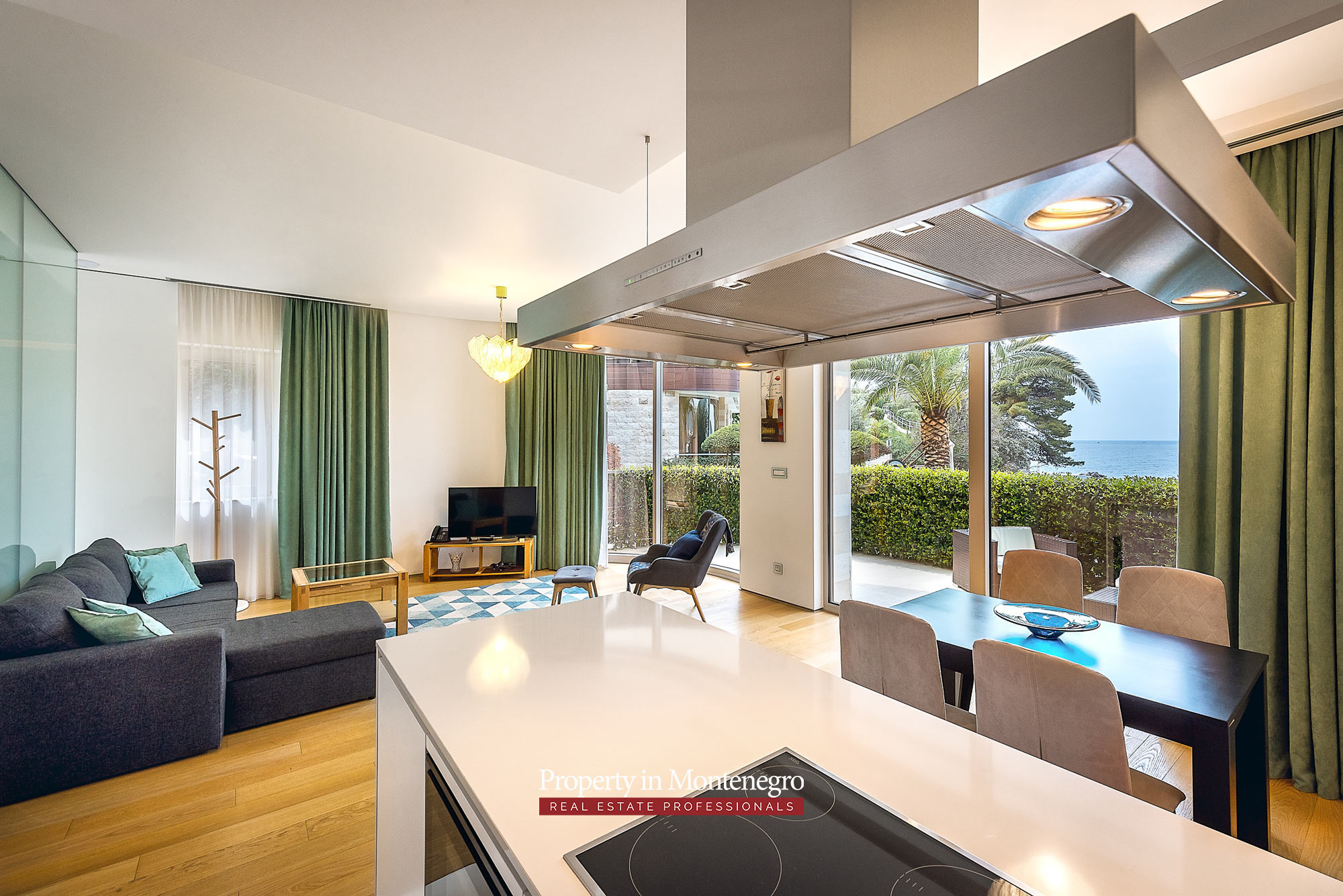 Luxury beachfront one bedroom apartment | Prodaja ...