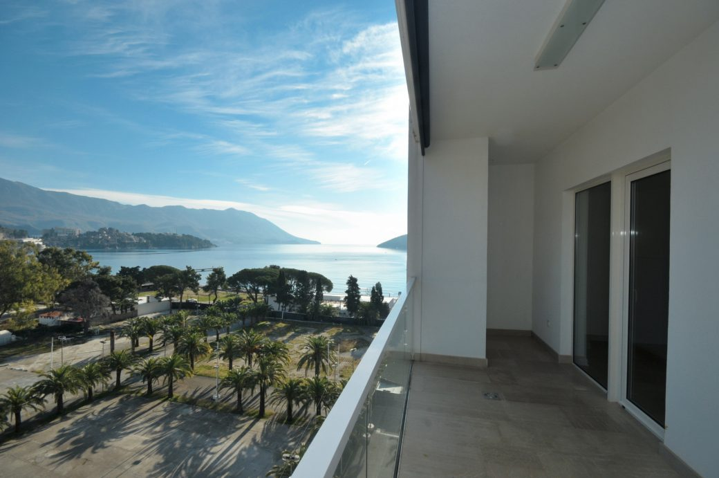 Apartman sa pogledom na more u Budvi