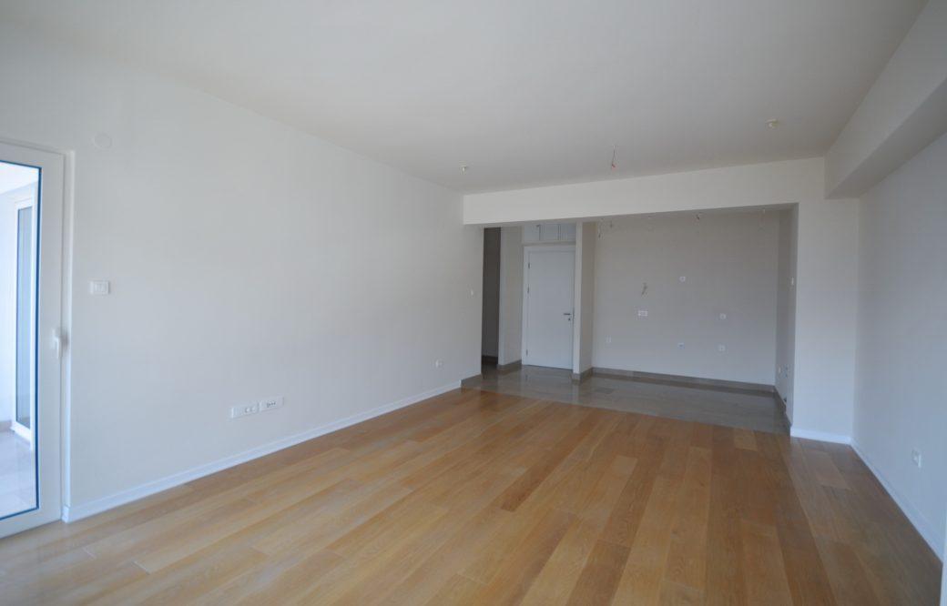 Na prodaju dvosoban stan u Budvi
