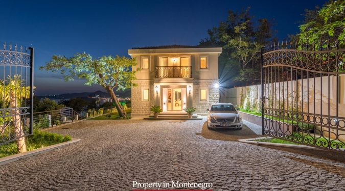 Luxury villa for sale in Budva Riviera