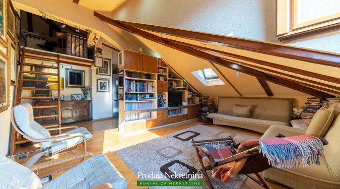 Prodaj se apartman u stari grad Kotor