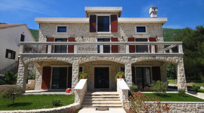 Luksuzne nekretnine u Kotoru