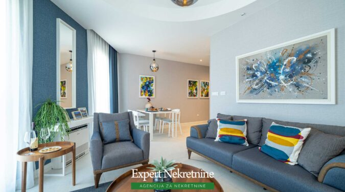 Prodaje se jednosoban apartman u Tivtu