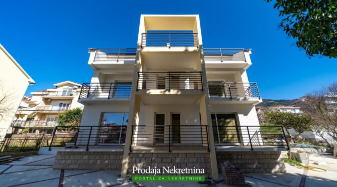 Two bedroom condo in Tivat