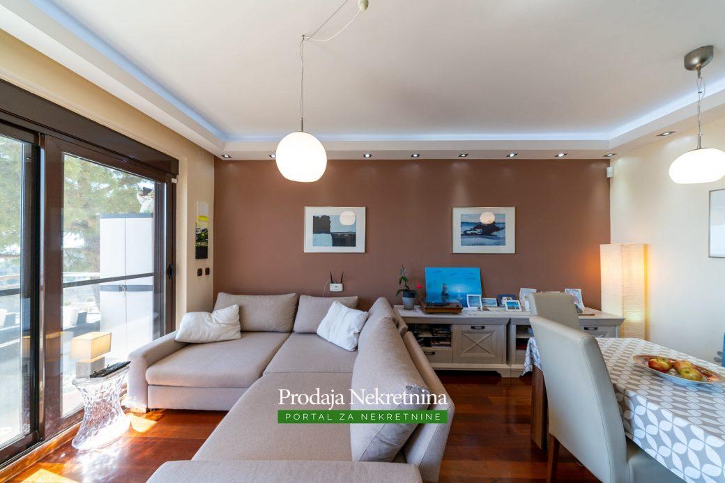 Luksuzni stan na prodaji u Budvi
