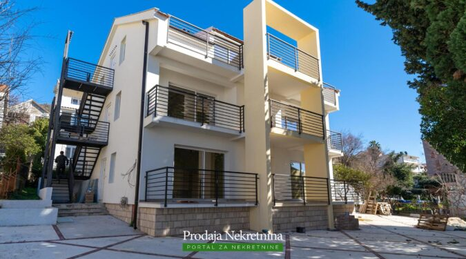Two bedroom penthouse in Tivat