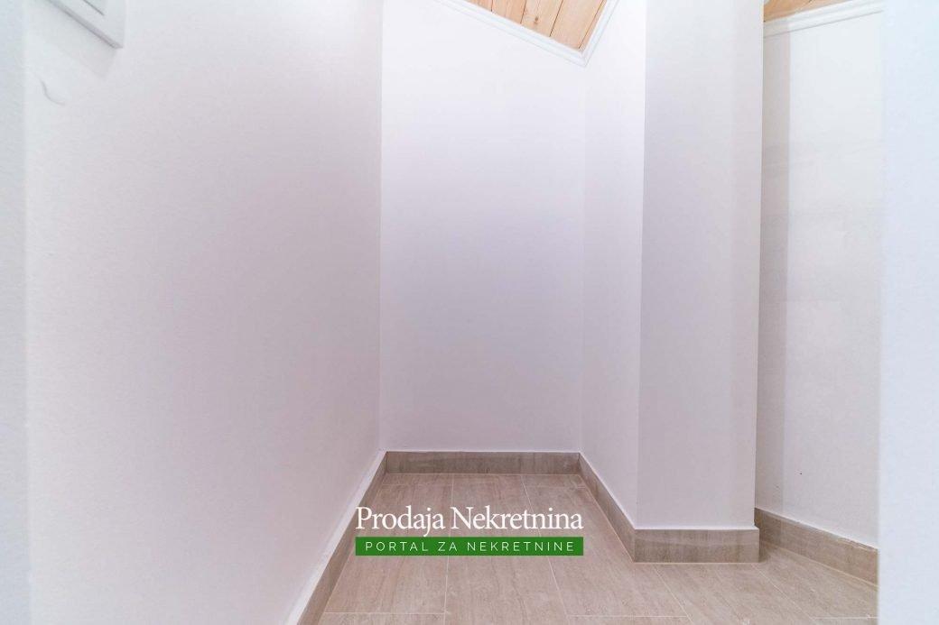 Prodaje-se-dvosoban-duplex-stan-na-Starom-Aerodromu (11)
