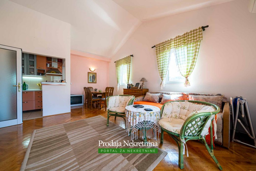 Jednosoban stan u Petrovcu