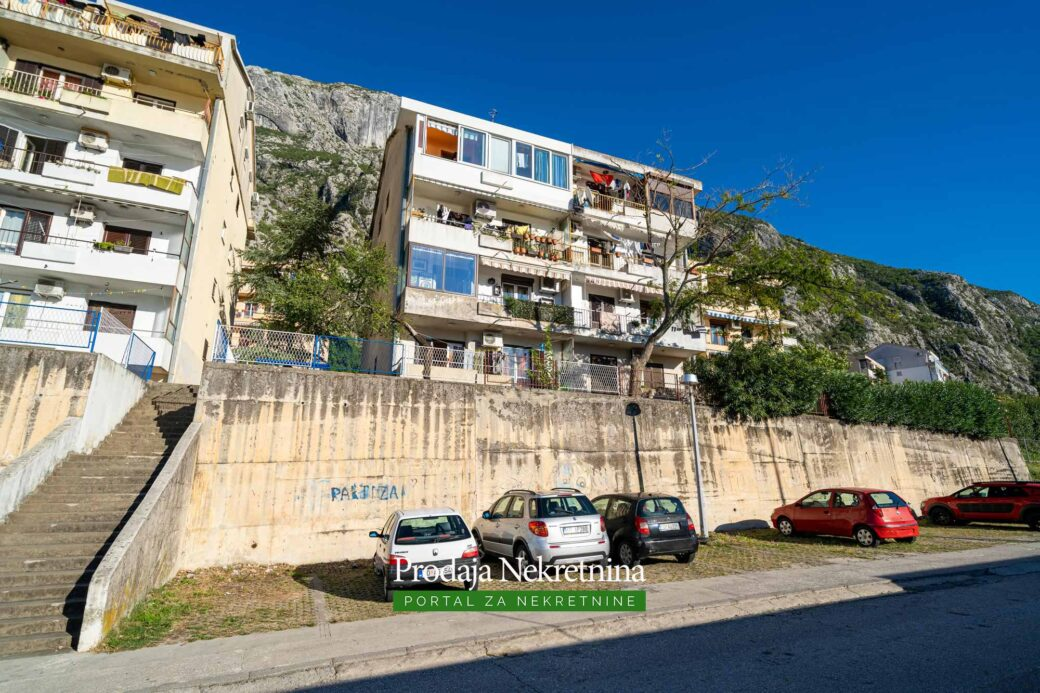 Two bedroom apartment for sale in Dobrota