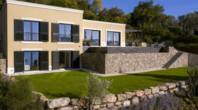 Luksuzna vila u Tivtu