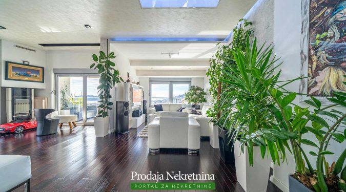 Luksuzan apartman na prodaji u Budvi