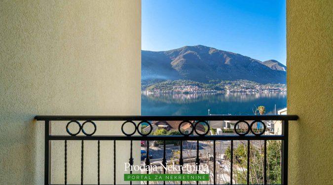 Prodaje se stan u Kotorskom zalivu