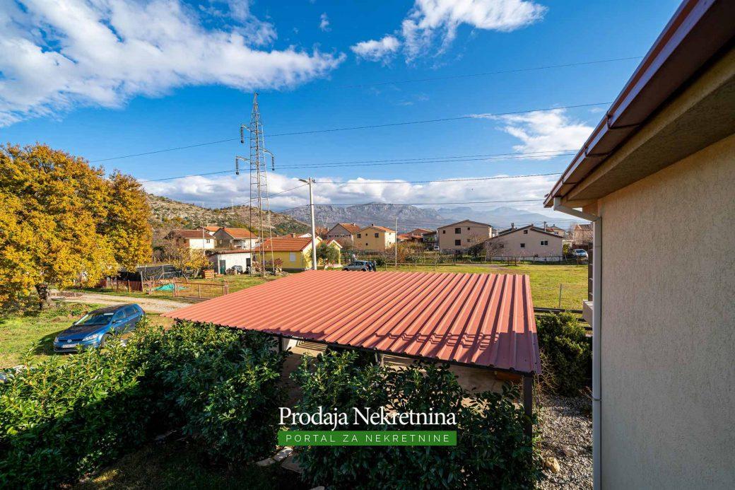 Prodaje se kuca u Podgorici