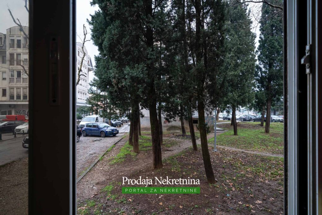 Prodaje se trosoban stan u centru Podgorice
