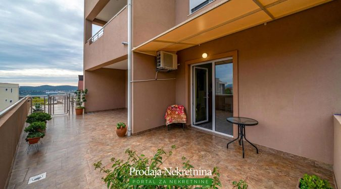 Studio apartment for sale in Tivat