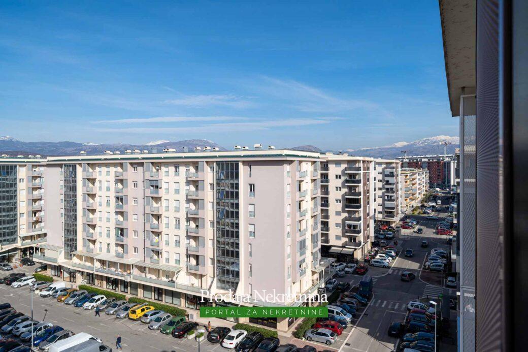 Prodaje se stan u City Kvartu