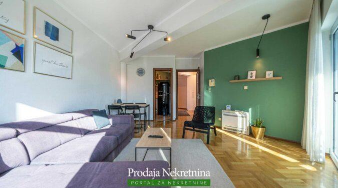 Prodaje se apartman u Budvi