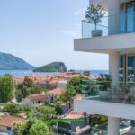 Prodaje se luksuzni apartman u Budvi